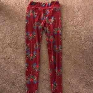 3b91215b2058f2 LuLaRoe. Lularoe Christmas/holiday leggings gently used OS